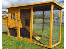 COCOON HEN HOUSE - Ideal for rabbits